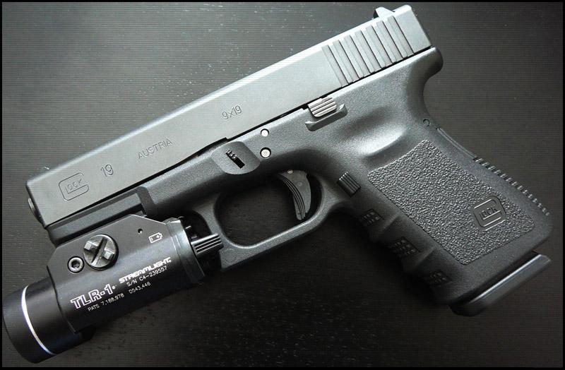 Пистолет Glock 19,23,25,32 (Compact)
